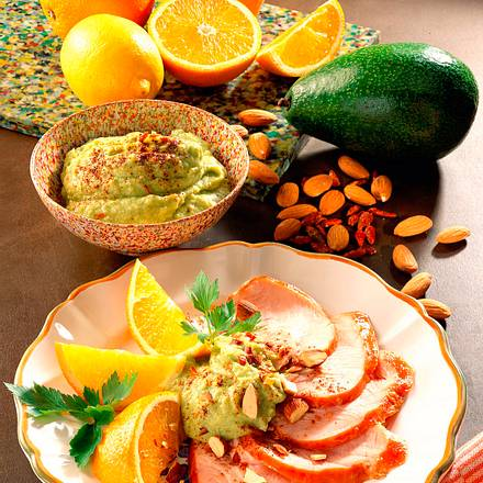 Putenaufschnitt mit Avocadodip Rezept