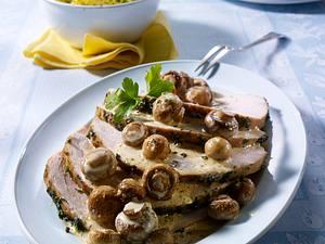 Putenbraten mit Kräuterhaube und Champignonsoße Rezept