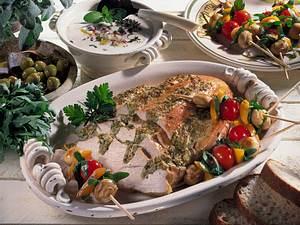 Putenbraten mit Olivenfüllung und Gemüsespießen Rezept