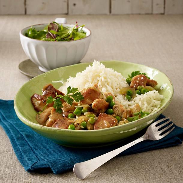 Putengeschnetzeltes mit Reis und Salat Rezept