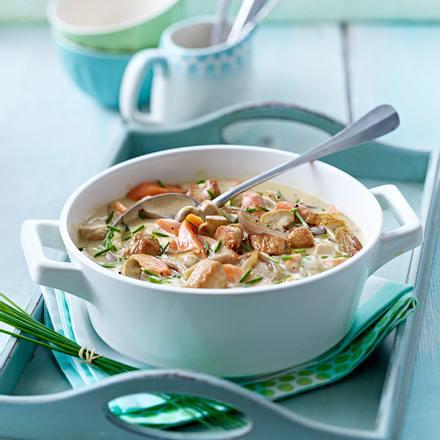 Putengulasch mit Champignons, Schalotten, Möhren und Schnittlauch Rezept