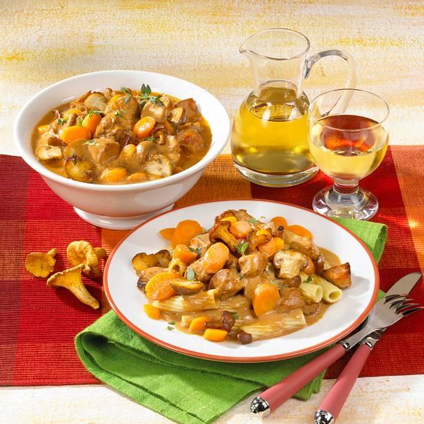 Putengulasch mit Pilzen und Nudeln Rezept