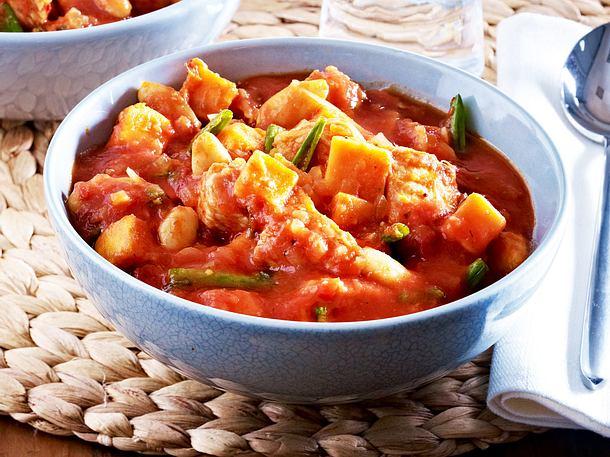 Putengulasch mit Süßkartoffeln Rezept