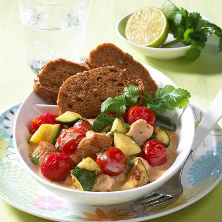 Putengulasch mit Zucchini Rezept
