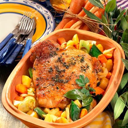 Putenkeule mit Suppengrün Rezept