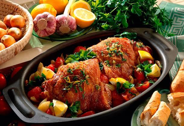 Putenkeulen in Tomaten- Zwiebel-Gemüse Rezept