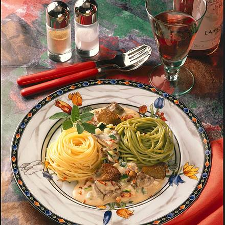 Putenleber-Ragout mit Spaghetti-Nestern Rezept