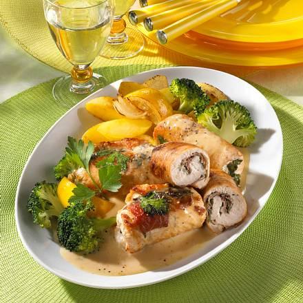 Putenröllchen mit Kräuterfrischkäse Rezept
