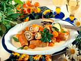 Putenröllchen mit Schalotten und Kirschtomaten Rezept