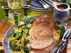 Putenrollbraten mit Broccoli und Aprikosen Rezept