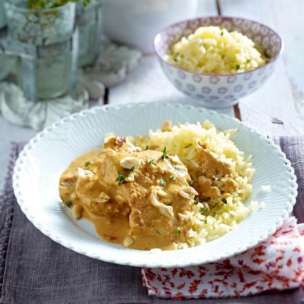 Putenschnitzel in Paprika-Erdnuss-Soße zu Butterreis Rezept
