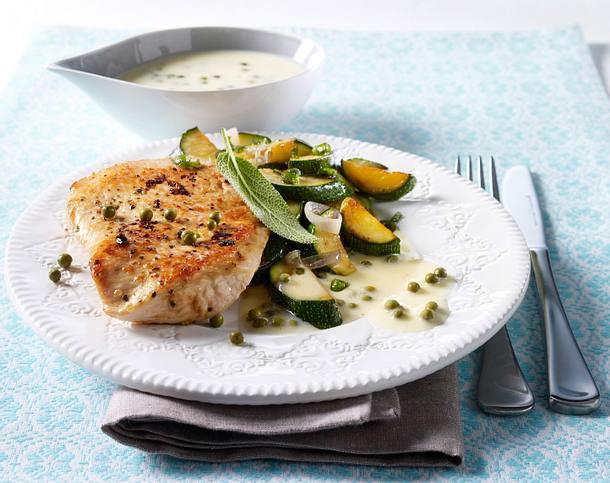 Putenschnitzel mit grüner Pfeffersoße und Zucchinigemüse Rezept