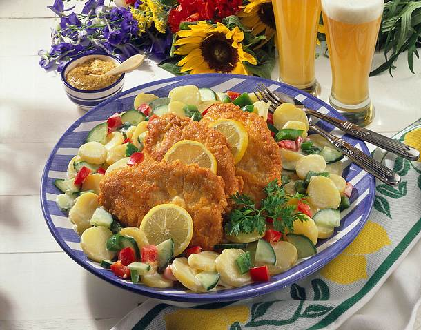 Putenschnitzel mit Kartoffelsalat Rezept