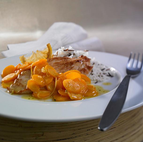 Putenschnitzel mit Zitronen-Möhrengemüse Rezept