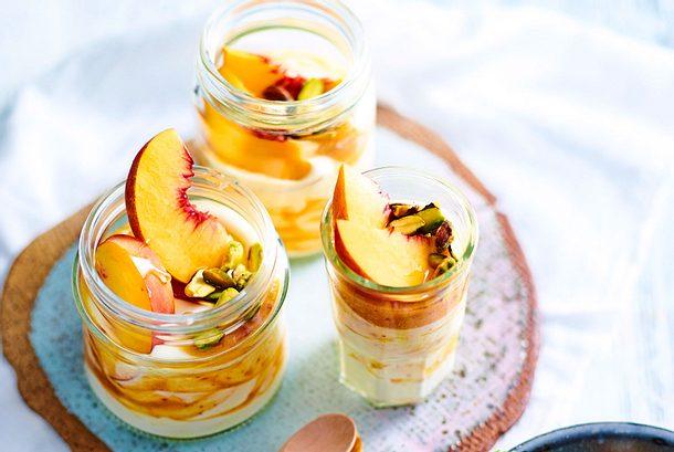 Putzmunter-Joghurt mit Pfirsich und Pistazien Rezept