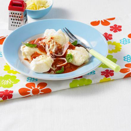 Quark-Gnocchi mit Tomatensoße Rezept