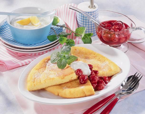 Quark-Pfannkuchen mit Vanille-Kirschen Rezept