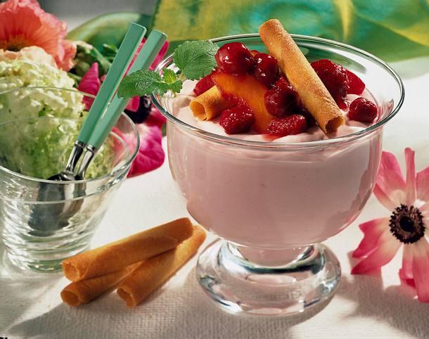 Quarkcreme mit Früchten Rezept