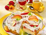 Quarksahne-Torte mit Äpfeln Rezept