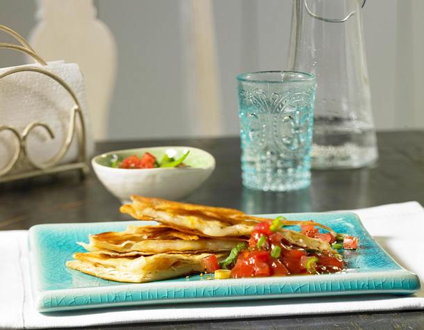 Quesadillas mit Käse und Chillisoße Rezept