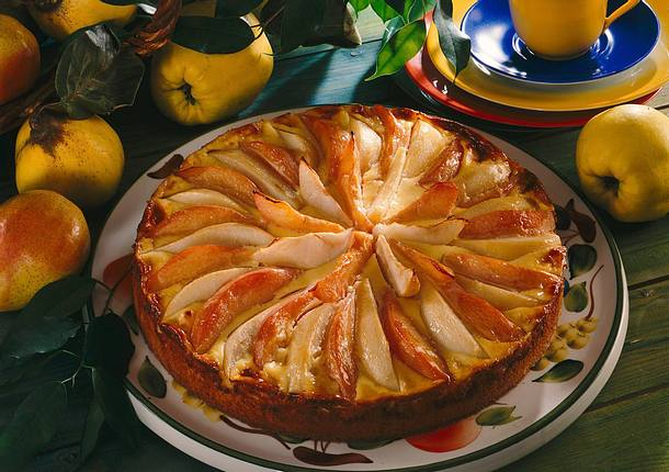 Quitten-Birnenkuchen mit Schmandguss Rezept