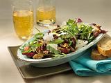 Radicchio-Rauke-Salat mit Weintrauben und Parmesan Rezept
