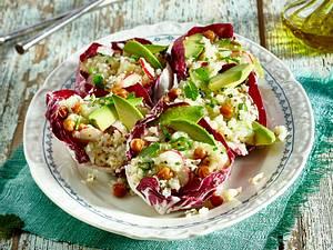 Radicchiosalatschiffchen mit Blumenkohlsalat Rezept