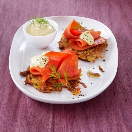 Räucherlachs auf Zucchini-Rösti Rezept