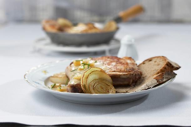 Rahm-Zwiebel-Koteletts Rezept