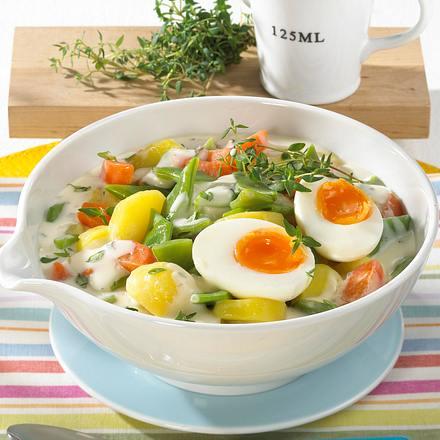 Rahmkartoffeln mit Gemüse und wachsweichem Ei Rezept