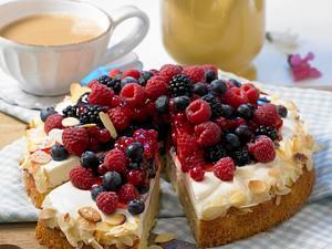 Rahmkuchen mit Beeren Rezept