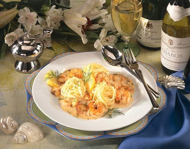 Rahmspaghetti mit Lachs & Gemüse Rezept