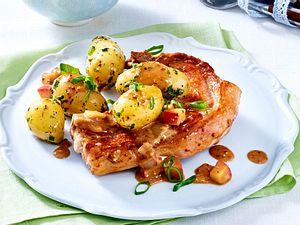 Ratzfatz fertig: Koteletts mit Apfel-Senf-Soße Rezept