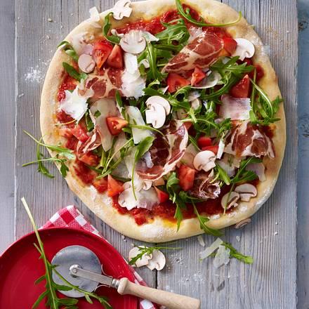 Rauke-Schinken-Pizza Rezept
