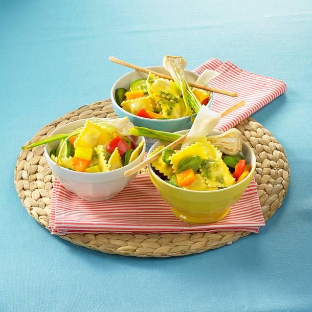 Ravioli-Salat mit Pesto Rezept