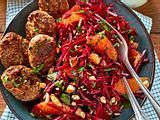 Red-'n'-Orange-Salat mit lecker Frikadellchen Rezept