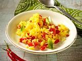 Reis mit Safran, Tomate, Chili und Basilikum Rezept