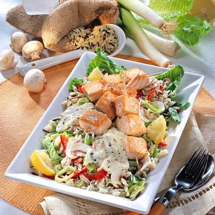 Reis-Salat mit Zitronen-Lachsspieß Rezept