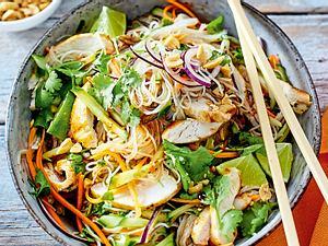 Reisnudelsalat mit Huhn für Asia-Addicts Rezept