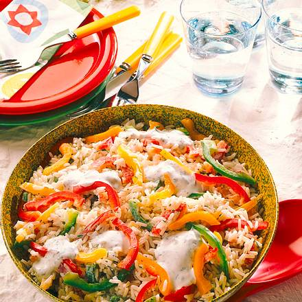 Reissalat mit Paprika und Joghurtsoße Rezept