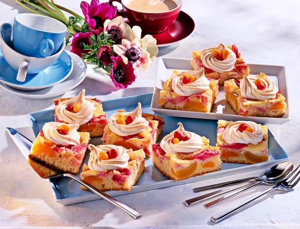 Rhabarber-Aprikosen-Kuchen Rezept