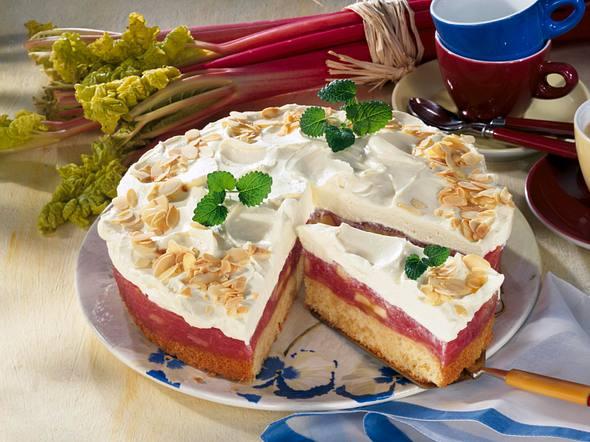 Rhabarber-Marzipan-Torte mit Schmand-Vanillecreme Rezept
