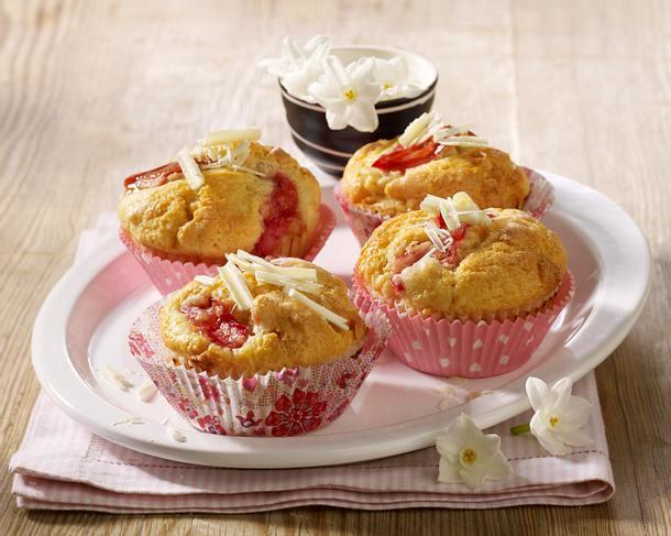 Rhabarber-Muffins mit weißer Schokolade Rezept