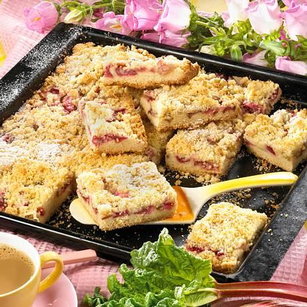 Rhabarber-Streuselkuchen vom Blech Rezept