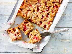 Rhabarberkuchen mit Zimtstreuseln Rezept