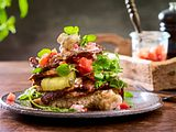 Rib-Eye-Sandwich mit Rahm-Champignons Rezept