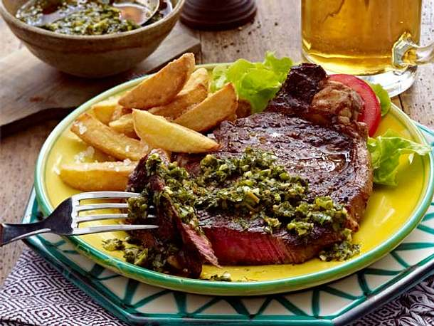 Ribeye-Steak mit Kräutersoße Rezept