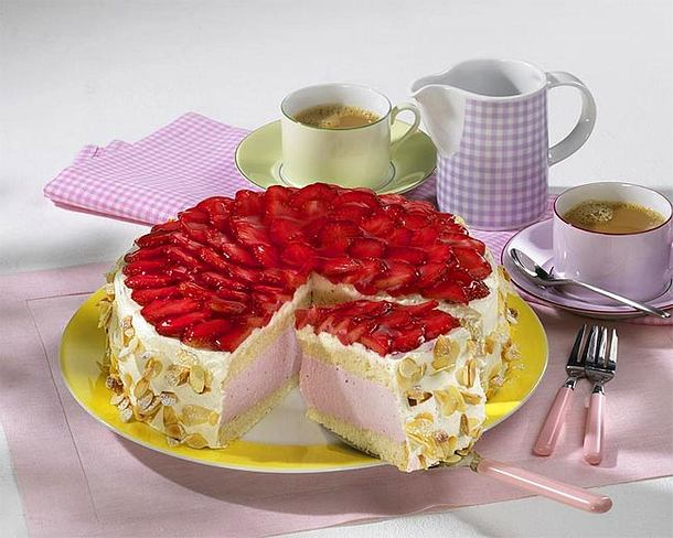 Ricotta-Erdbeermousse-Torte Rezept