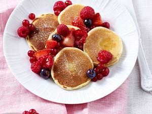 Ricotta-Pancakes mit gemischten Beeren Rezept
