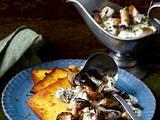 Ricotta-Polenta mit Pilz-Schmandsoße Rezept
